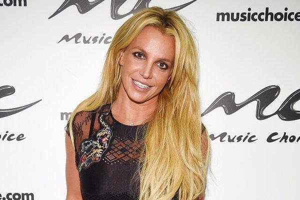 Britney Spears sung sướng khi tòa đình chỉ quyền giám hộ của cha ruột