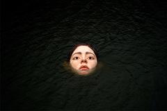 'Đầu người' nổi lềnh bềnh giữa sông khiến du khách kinh hãi