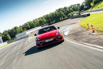 Panamera - trải nghiệm khác biệt, đậm chất Porsche