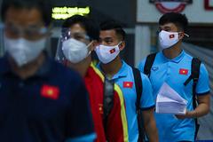 Tuyển Việt Nam đổ bộ UAE, sẵn sàng đấu Trung Quốc