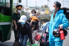 Workers invited to stay in HCMC for economic recovery