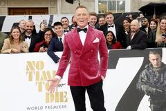 Điệp viên 007 Daniel Craig được gắn sao trên Đại lộ danh vọng