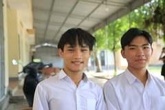 Đôi bạn mồ côi ở Hà Tĩnh đỗ đại học