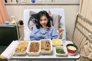 'Quý cô bệnh tật' phản pháo chỉ trích trang điểm đậm ở viện