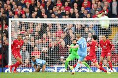 Liverpool cưa điểm Man City sau màn rượt đuổi hấp dẫn