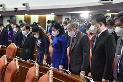 Hội nghị Trung ương 4 dành phút mặc niệm đồng bào, chiến sĩ hy sinh vì Covid-19