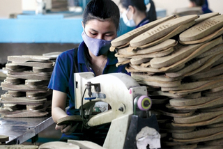 90.000 DN tê liệt ngừng làm ăn, kích hoạt gói tiền 100.000 tỷ  giải cứu