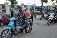 Nghệ An đưa cách ly tập trung gần 1.000 người đi xe máy về quê