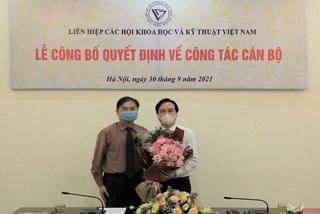 GS.TS Phùng Xuân Nhạ nhận thêm nhiệm vụ mới