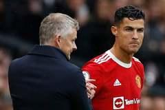 Ronaldo làm căng đòi đá liên tục, Solskjaer phản ứng gắt