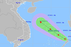 Áp thấp vào Biển Đông, sắp mạnh thành bão, miền Trung mưa to