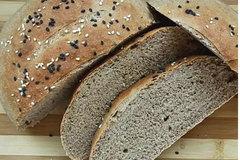 Cách làm bánh mì nguyên cám đơn giản tại nhà