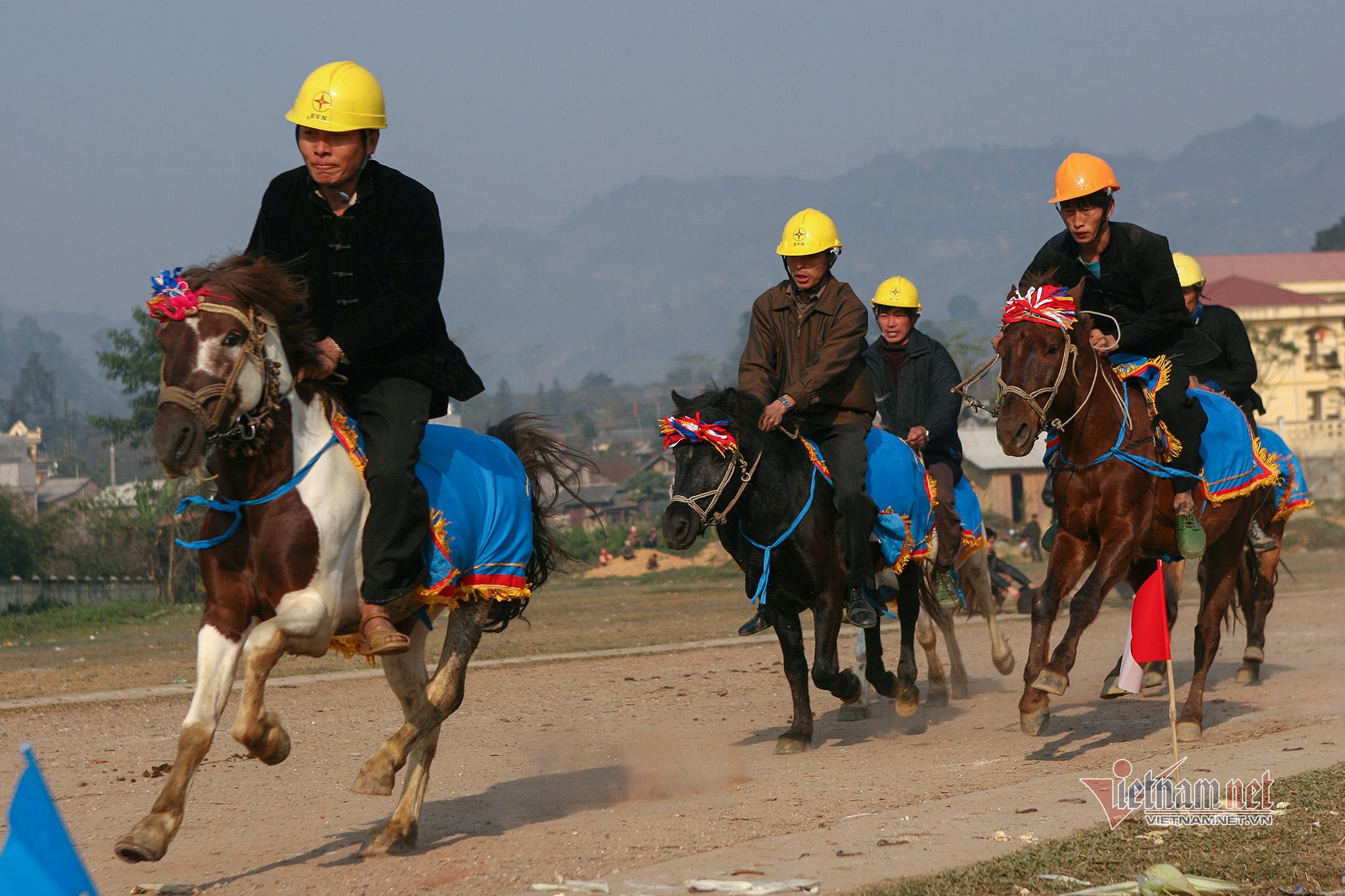 Lễ hội đua ngựa Bắc Hà từ ngày đầu tổ chức đến Di sản Văn hóa - 3