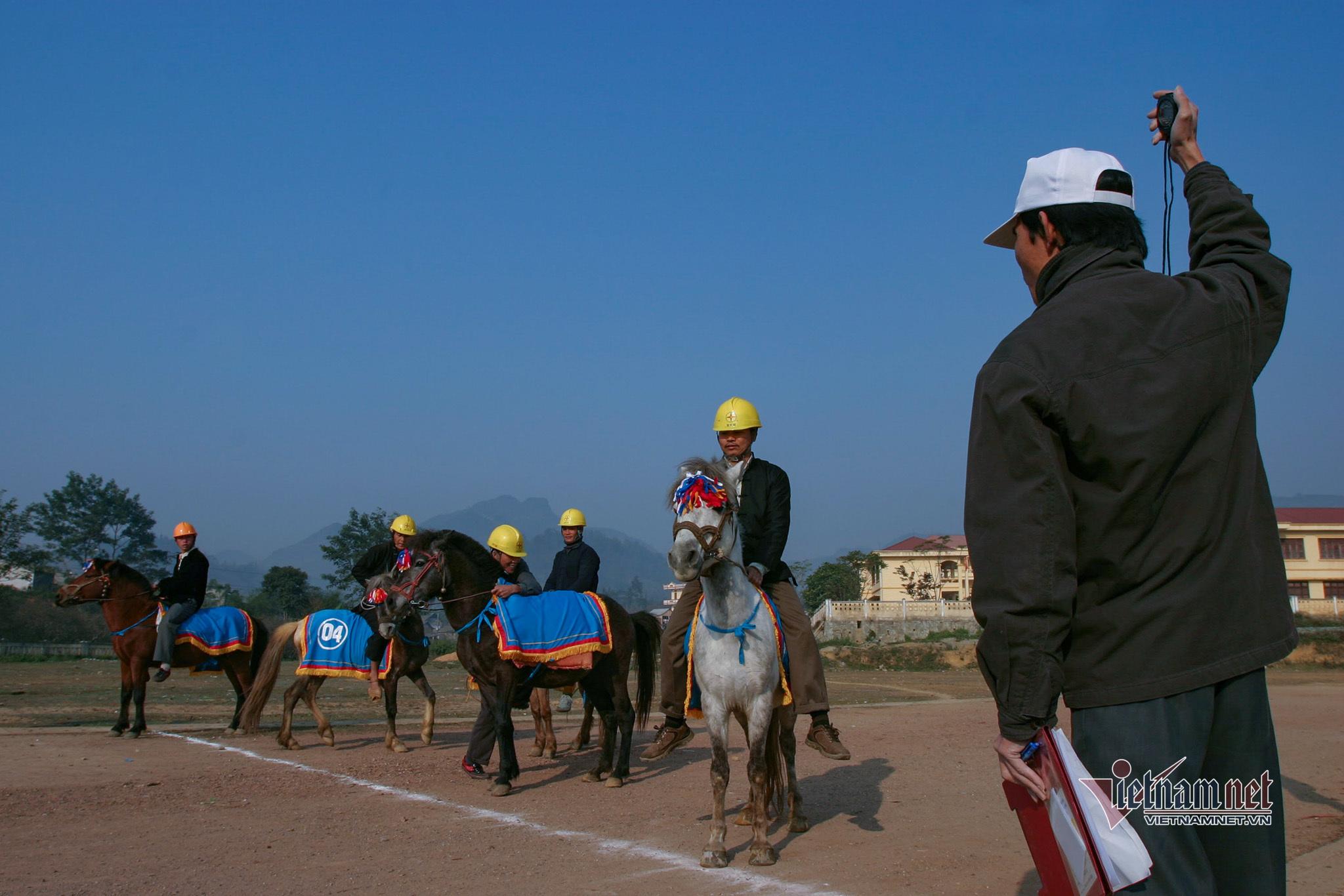 Lễ hội đua ngựa Bắc Hà từ ngày đầu tổ chức đến Di sản Văn hóa - 1