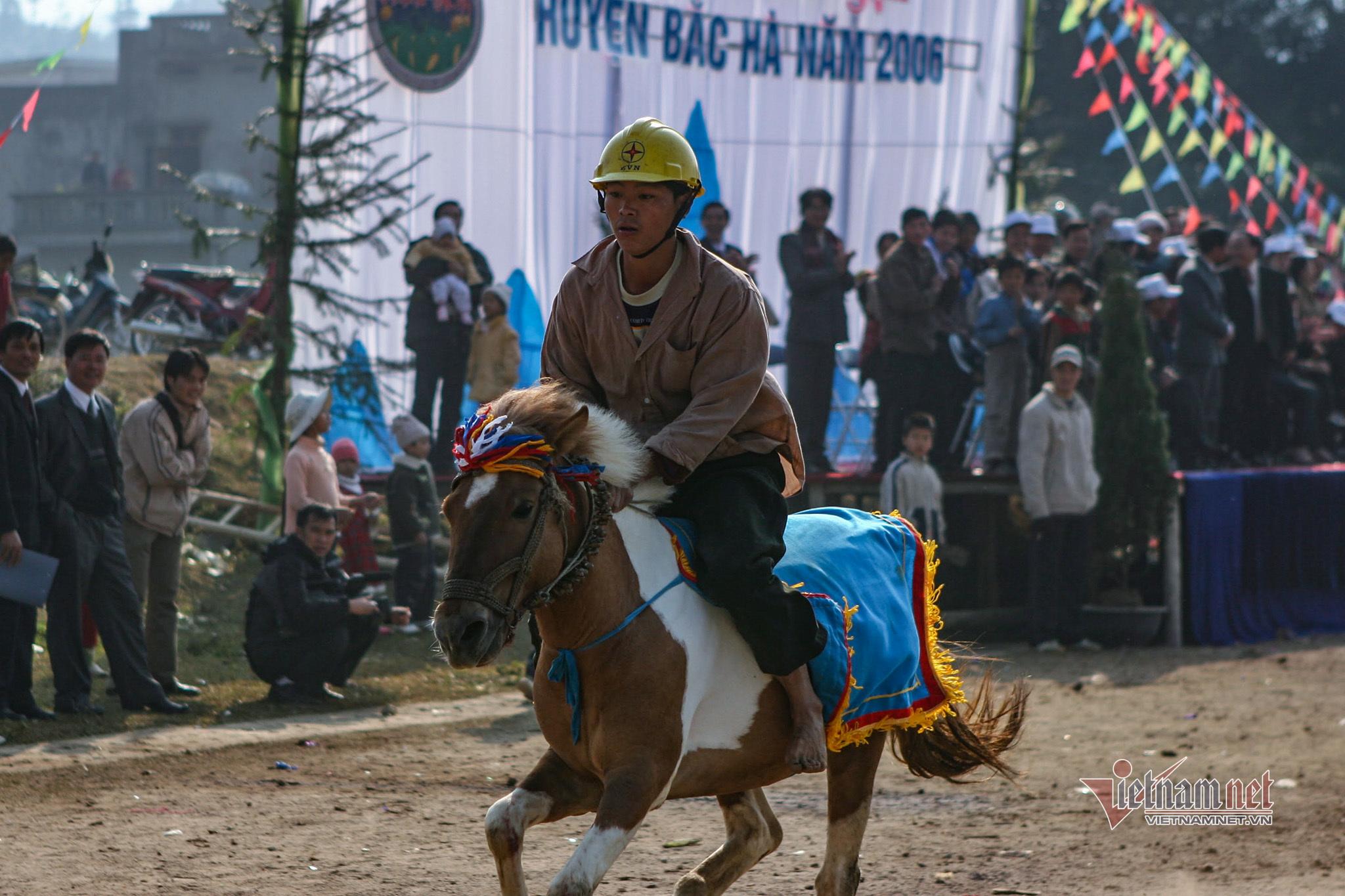 Lễ hội đua ngựa Bắc Hà từ ngày đầu tổ chức đến Di sản Văn hóa - 7