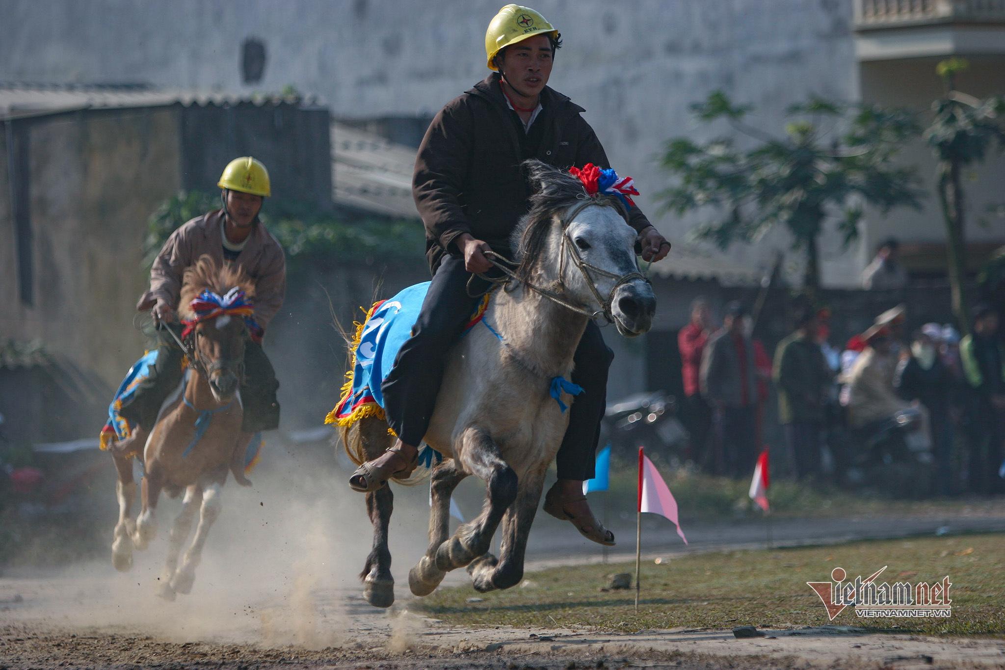 Lễ hội đua ngựa Bắc Hà từ ngày đầu tổ chức đến Di sản Văn hóa - 5