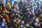 Đoàn xe máy hơn 200 người vượt nghìn cây số từ miền Nam qua Hà Nội về quê
