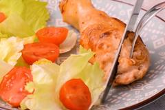 Cách làm đùi gà nhồi thịt chiên mềm ngọt, thơm vị phô mai