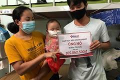 Trao hơn 100 triệu đồng đến bé Bàn Thị Liễu mắc bệnh ung thư thực bào máu
