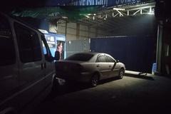 Chủ xe ngủ qua đêm trước trạm đăng kiểm ở TP.HCM