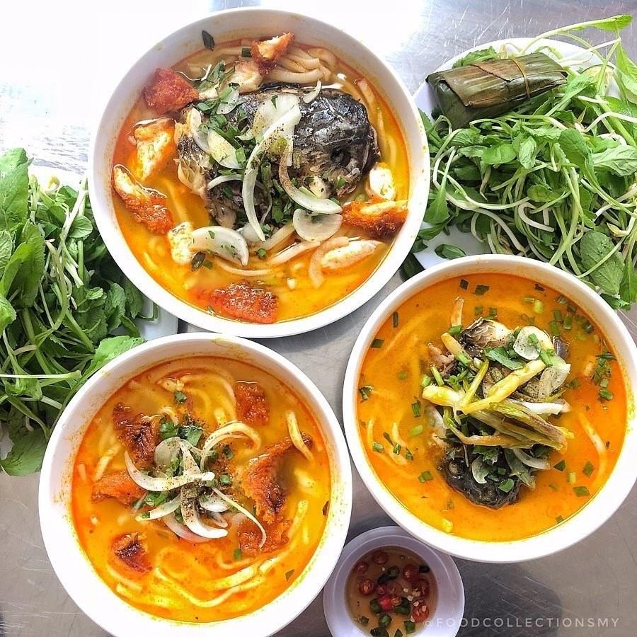 """Cháo cá vạt giường (hay bánh canh cá lóc) là đặc sản """"hút"""" khách ở Quảng Trị (Ảnh: @Foodcollectionsmy)"""