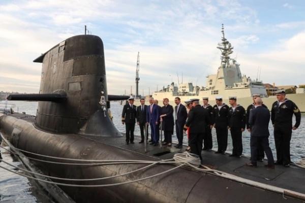 """Pháp chê Australia """"ấu trĩ"""" vì bí mật mua tàu ngầm Mỹ"""