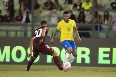 """""""Chấp"""" Neymar, Brazil vẫn thắng dễ trận thứ 9 tại vòng loại World Cup"""