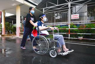 Bệnh nhân 35 tuổi thoát cảnh tàn phế nhờ khối titanium đặc biệt