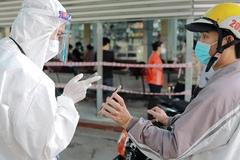 Bệnh viện TP.HCM chuẩn bị 'đón' người dân đổ xô đi khám bệnh