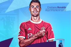 Trở lại MU, Ronaldo nhận ngay danh hiệu lớn