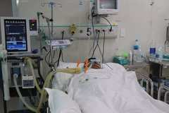 TP.HCM vừa nới lỏng giãn cách, gần 10 ca ngộ độc rượu nặng nhập viện