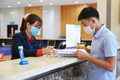 Lương nhân viên ngân hàng, công nghệ 'miễn nhiễm' với Covid-19