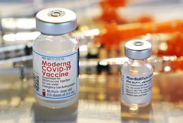 Vắc xin Pfizer, Moderna đạt hiệu quả cao nhất khi nào?