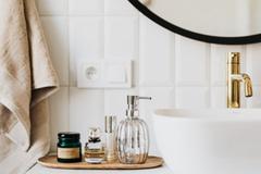 Các thói quen trong nhà vệ sinh có hại cho sức khỏe