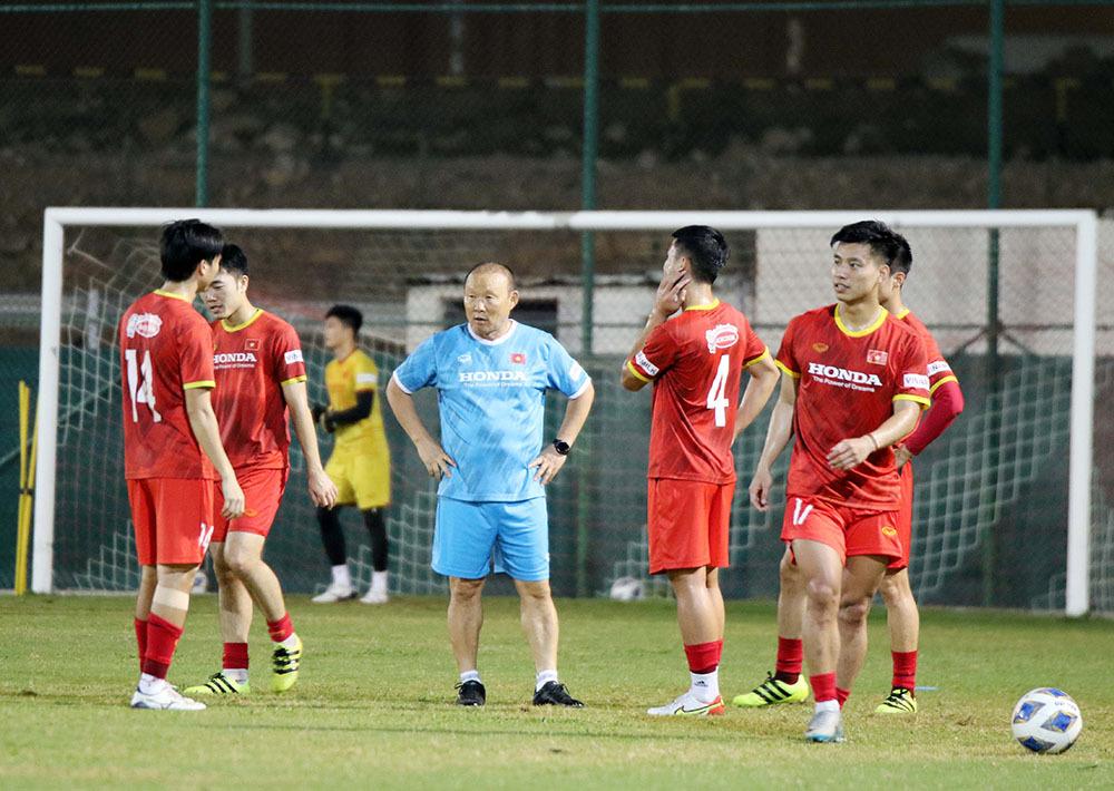 Việt Nam đấu Oman: Thầy Park chơi tất tay, vận may có đến?