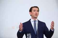 Bị điều tra tham nhũng, Thủ tướng trẻ nhất nước Áo từ chức