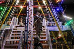 Ngày 'xả stress' của các tay súng Taliban tại công viên giải trí