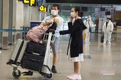 Thủ tướng: Thực hiện nghiêm việc mở các chuyến bay nội địa