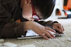 Những dấu hiệu cảnh báo con bạn nghiện game online