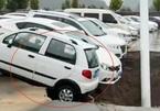Video hố tử thần ở Trung Quốc 'nuốt chửng' nhiều xe hơi