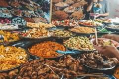 Ăn thịt lạ bán trên phố khi đi du lịch và câu chuyện lây lan virus kinh hoàng
