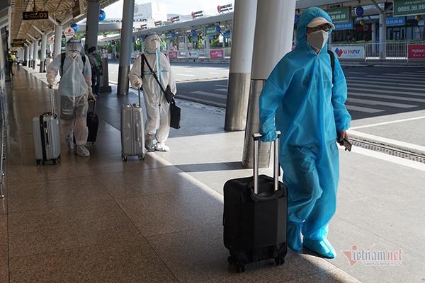 Hà Nội bỏ quy định cách ly tập trung 7 ngày với khách bay từ TP.HCM