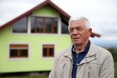 Cụ ông làm nhà xoay 360 độ để vợ ngắm đủ 'view' quanh nhà