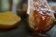 Bánh nấu trong ống tre nổi tiếng ở Philippines