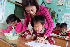 Cô giáo vùng cao kể chuyện dạy tiếng Việt cho học sinh lớp 1