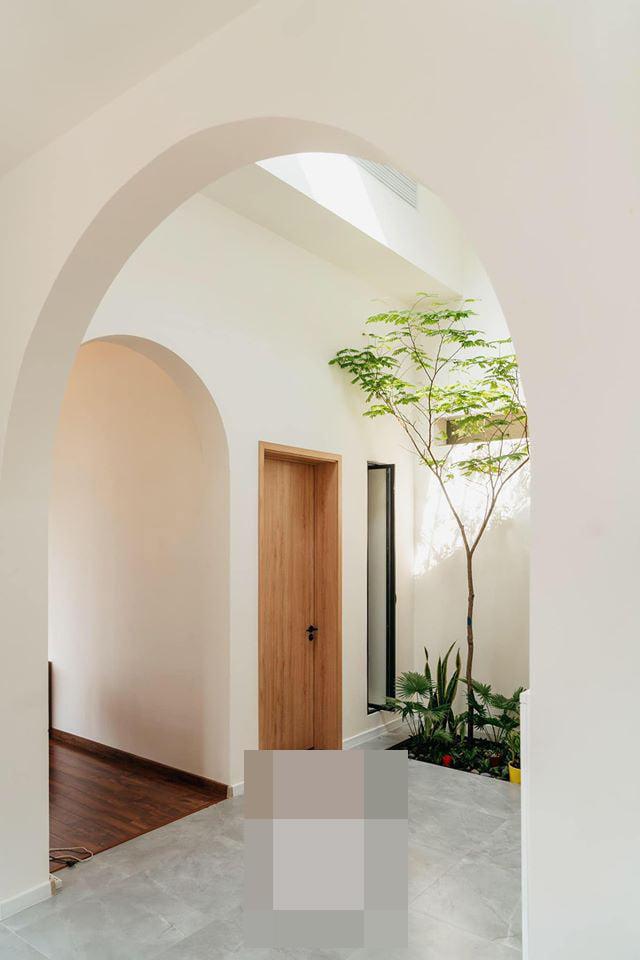 Biệt thự 200m2 cây mọc giữa nhà, ngày ngày nghe lá cây xào xạc