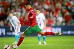 Kết quả bóng đá hôm nay 13/10: CR7 giúp Bồ thắng to, Anh bị cưa điểm