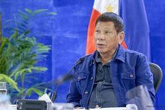 Ông Duterte muốn 'tiêm lén' vắc xin Covid-19 cho những người  do dự