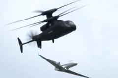 Xem trực thăng hiện đại của Mỹ bay đua với phi cơ