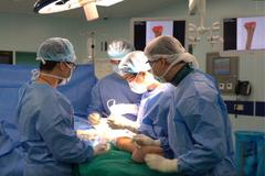 Thay thế thành công xương khớp nhân tạo in 3D cho bệnh nhân khuyết tật